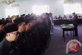 102 pejabat di Rejanglebong dimutasi