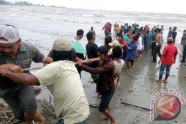 DPMD Mukomuko kerja sama evakuasi kapal tenggelam
