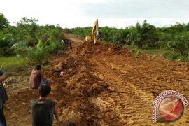Distan Mukomuko bangun 19 jalan usaha perkebunan