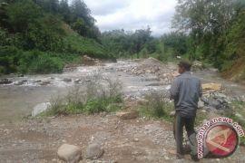 Empat pengusaha bangun tambang pasir-batu di Mukomuko