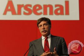 Kroenke ingin beli seluruh saham Arsenal