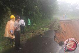 Bengkulu Tengah Dilanda Banjir Dan Longsor