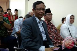 Mahfud MD Hadiri Sidang Korupsi Gubernur Bengkulu
