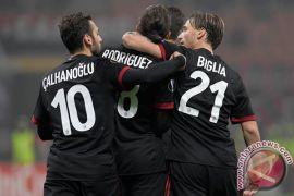 Milan ketemu Juve di final setelah menang adu pinalti