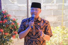 Gubernur minta peserta Pilkada berjuang raih simpati