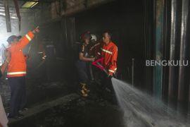 Rumah kosong di Mukomuko  hangus terbakar