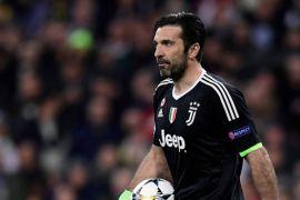 Komentari wasit, Buffon diskors tiga pertandingan