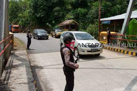 Pengamanan jalan lintas melibatkan satuan Sabhara