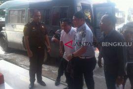 Terlibat korupsi, mantan Bupati Kepahiang ditahan