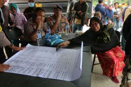 Keluarga korban kapal tenggelam Danau Toba pasrah