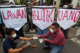 WCC: tolak politik uang