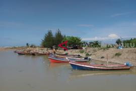 Nelayan Bengkulu Selatan dapat bantuan perahu fiber