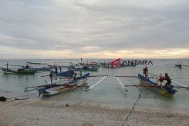 Nelayan Pantai Laguna