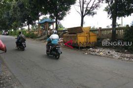 DLH Rejang Lebong kekurangan armada angkutan sampah