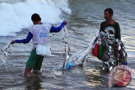 DKP Mukomuko beli alat tangkap ikan untuk nelayan