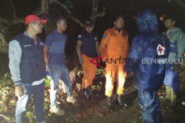 Lansia hilang mancing di Sungai Mukomuko belum ditemukan