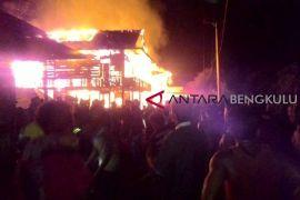 Enam rumah warga Mukomuko ludes terbakar