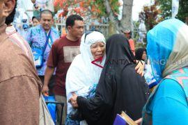 Penyelenggara pulangkan gelombang terakhir haji Bengkulu