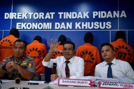 Polisi ringkus tersangka pembobol 14 bank senilai Rp14 triliun