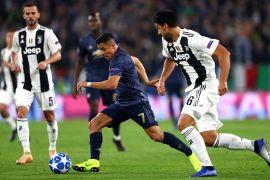 Dua gol menit akhir Manchester United amankan tiga poin di markas Juventus