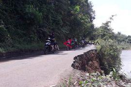 Jalan provinsi di Rejang Lebong nyaris putus