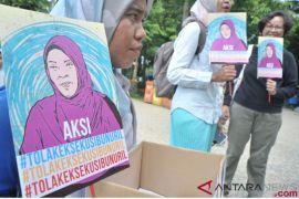Baiq Nuril sampaikan terimakasih kepada Presiden Jokowi