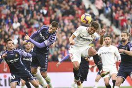 Gusur Barcelona, Sevilla amankan puncak klasemen Liga Spanyol
