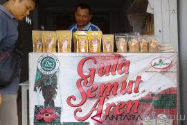 Petani aren terima bantuan Bank Indonesia