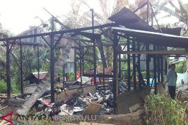 Rumah warga Mukomuko hangus terbakar