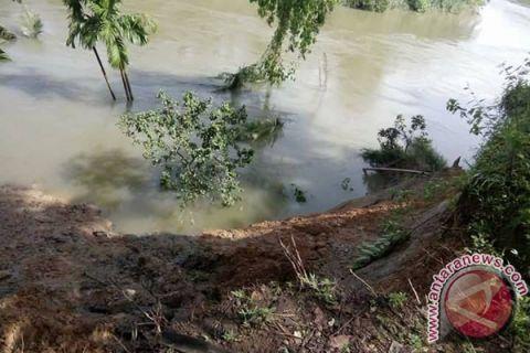 Pembangunan Penahan Erosi Sungai Selagan Bertahap