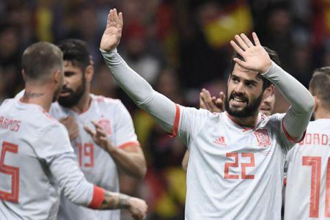 Taklukkan Iran, Spanyol perbesar peluang lolos
