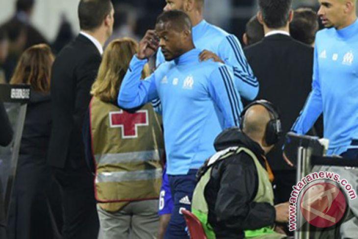 West Ham rekrut Evra dengan ikatan kontrak jangka pendek