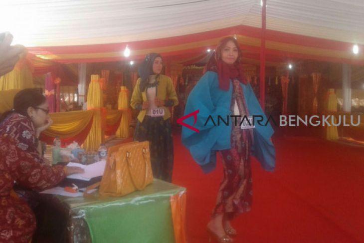 Lomba Busana Batik HUT Curup minim peserta