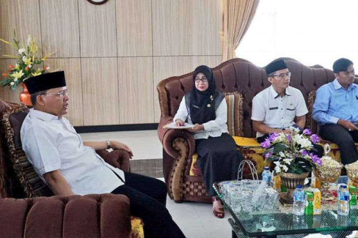 Gubernur Bengkulu kumpulkan pengusaha kelapa sawit