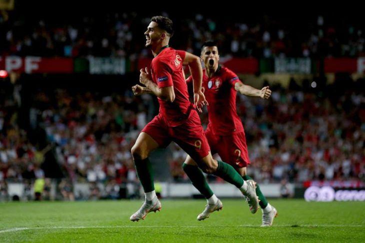 Sevilla tertarik permanenkan Andre Silva dari Milan