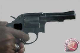 Di Medan, Pencuri gerai minimarket ditembak