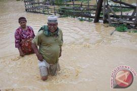 Ratusan rumah di Pantura Subang terendam banjir