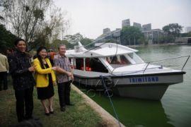 UI latih nelayan membuat kapal plat datar