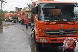 Penggunaan tujuh armada sampah Karawang dikuasai yayasan