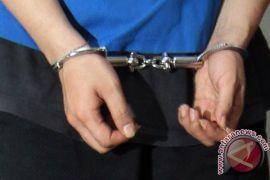 Peras Warga Sukabumi, Polisi Gadungan Ditangkap