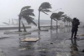 Harus mengungsi hindari banjir akibat badai