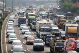 Wow, waktu tempuh Bogor-Cikarang lewat jalan tol sembilan jam