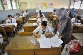 168 sekolah Bekasi belum siap UNBK