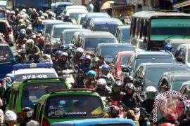 Jalan tembus penyebab kemacetan jalur Puncak ditutup