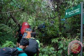 Jalur pendakian Gunung Gede Pangrango ditutup sementara