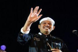 Dedi Mulyadi Mengamen Di Warung Soto Yogyakarta