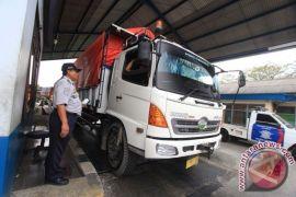 Dishub Bekasi batasi lintasan truk di Kalimalang