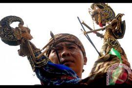Budayawan : Jangan benturkan agama dengan budaya