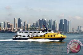Kapal angkut 335 penumpang kehilangan tenaga di laut