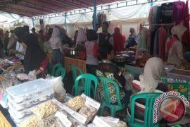 Diskop UKM PP Sukabumi selenggarakan pasar murah sembako